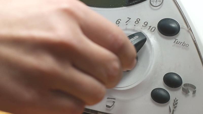 triturar cáscara de naranja en thermomix para hacer helado de chocolate a la naranja